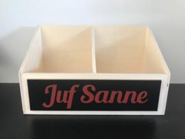 Dubbel pennenhouder 'JUF SANNE'