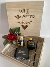 Houten box 'WIL JIJ MIJN METER WORDEN?'