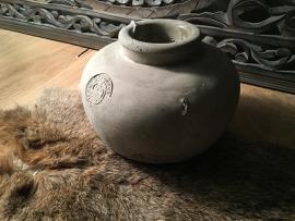 Oude aardewerken  pot