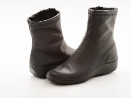 L8 | Zwart - Leder Look