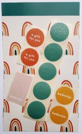 Stickers - kadootje - caramel - per 10 stuks