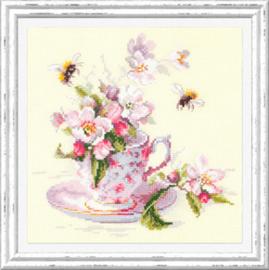 Borduurpakket Cup and Apple Blossom - Chudo Igla    ci-120-041