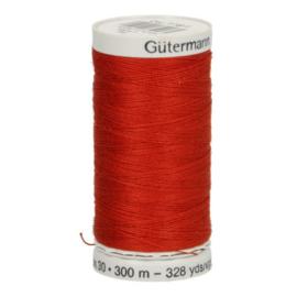 Gutermann naaigaren cotton 30 / 300 meter  1181 / rood
