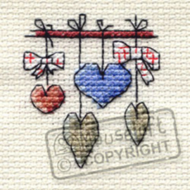 Borduurpakket Dangling Hearts - Mouseloft    ml-004-k04