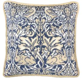 Borduurpakket William Morris - Brer Rabbit Tapestry - Bothy Threads    bt-tac13