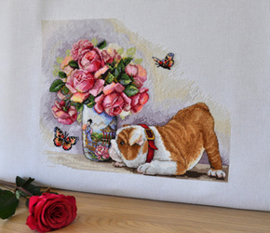 Borduurpakket Bulldog and Butterflies - Merejka    mer-k094