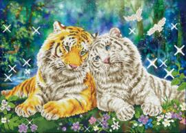 Diamond Dotz Tiger Smooch - Needleart World    nw-dd13-026
