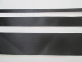 Satijnlint satin double face Deluxe  6 mm 16 mm en 40 mm zwart 725