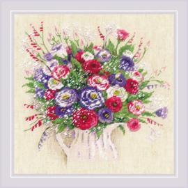 Borduurpakket Bouquet with Eustoma and Gypsophila - RIOLIS  ri-1947