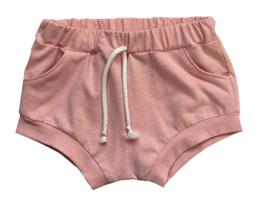 Shortje met zakken roze