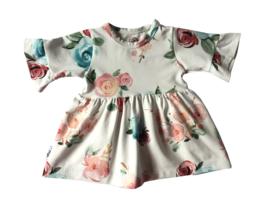 Baby jurkje met rushes mouwen blossoms
