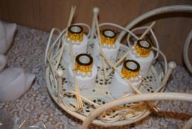 Wit parfumflesje cylinder - gouden dopje