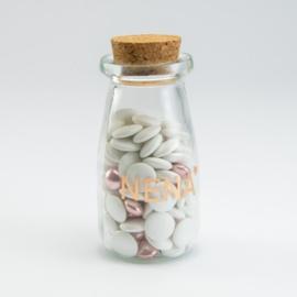 Glazen flesje met kurkstop
