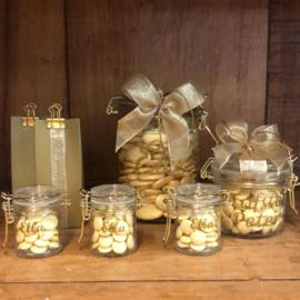 Glazen weckbokaaltje met gouden sluiting