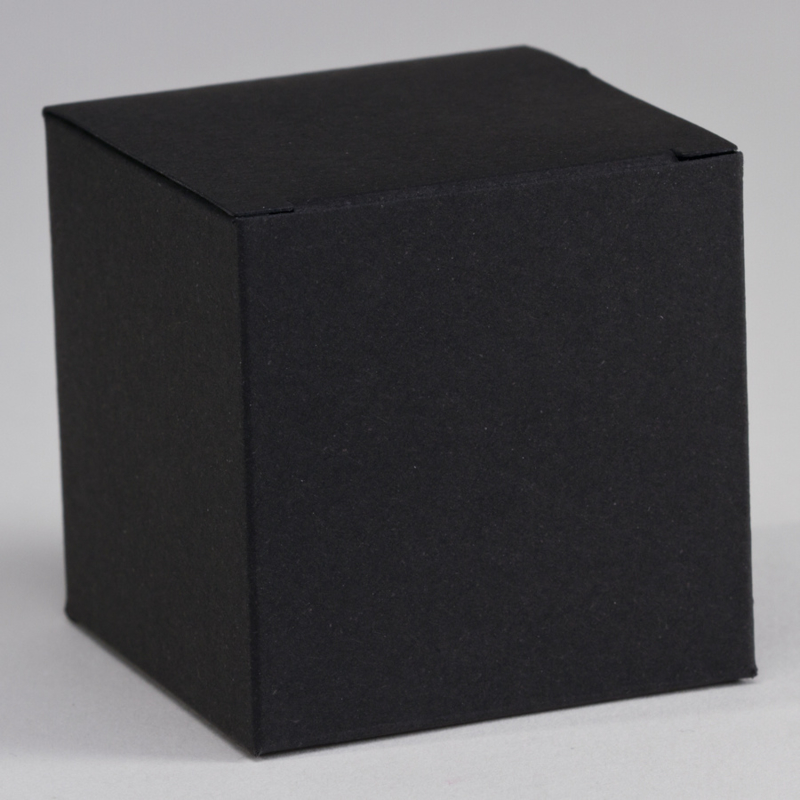 Zwart kubusdoosje