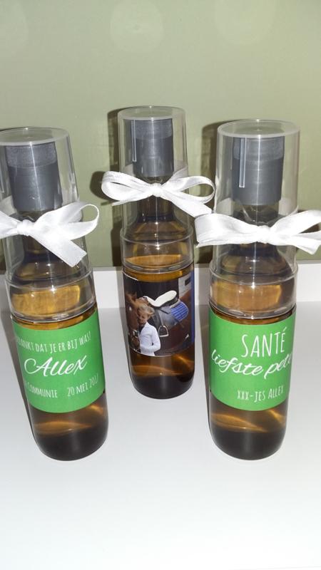 Mini-wijnflesje met gepersonaliseerd etiket