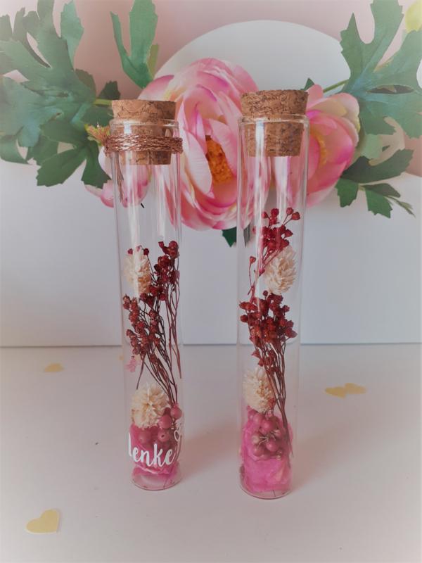 Droogbloemen in proefbuisje - roze en wit