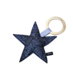 Vilten ster rammelaar met bijtring | Antraciet | Basic.
