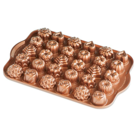 Tea Cakes & Candies Bundt Bakvorm - Nordic Ware
