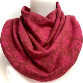Smukt mørkerødt tørklæde med pink blomstermotiv
