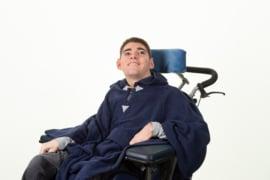 Poncho til kørestolsbrugere blå