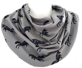 Gråt savletørklæde med sorte ræve