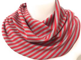 Rød og gråstribet herretørklæde