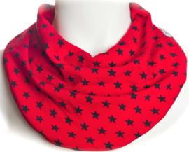 Rødt savletørklæde med mørkeblå stjerner