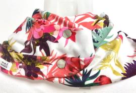 Hvidt  savletørklæde med blomstermotiv