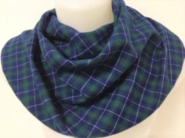 Tørklæde i en blå og grøn skotstern