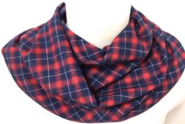 Rødt og blåt skotsternet tørklæde
