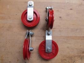 Katrollen hangend model 90 mm verzinkt
