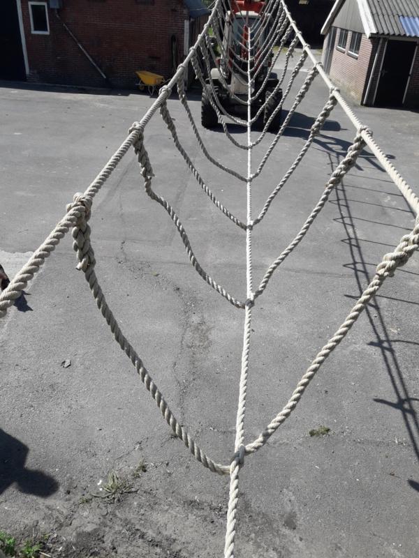 Touwbrug Met Verbinding Tussen De Looptouwen Touw En