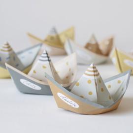 Vouwbootjes SEGEL