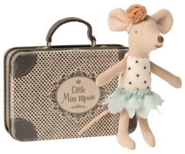 Little Mouse dancing sister in suitcase