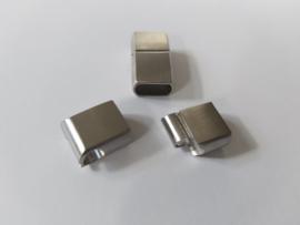 Zilver kleurige sluiting plat