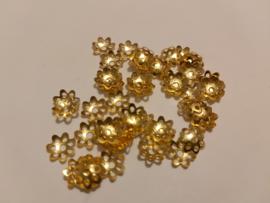 Filigraan eindkapjes 8mm (50 stuks) goud
