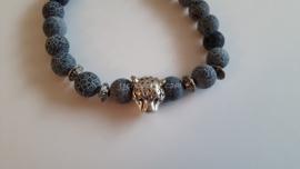 Armband  met luipaard hoofd 1.