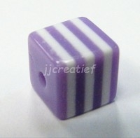 Vierkant lila, wit