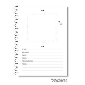Kraambezoek-boek A5 || licht beschadigd > voorkant ondersteboven