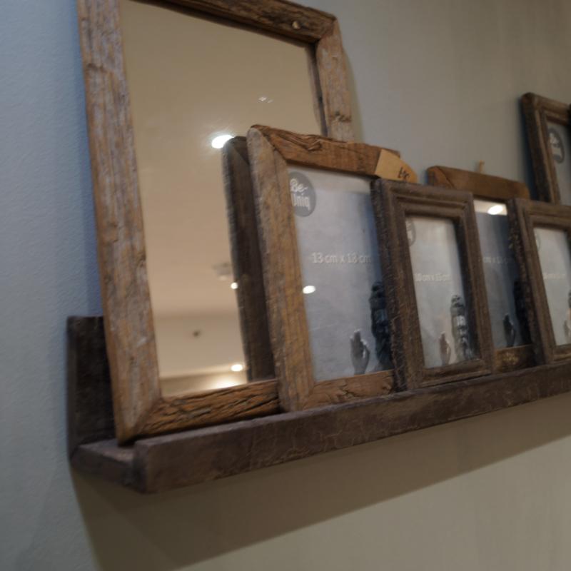 Wandplankje voor fotolijstjes