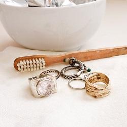 Vijf gouden tips om je sieraden schoon te houden