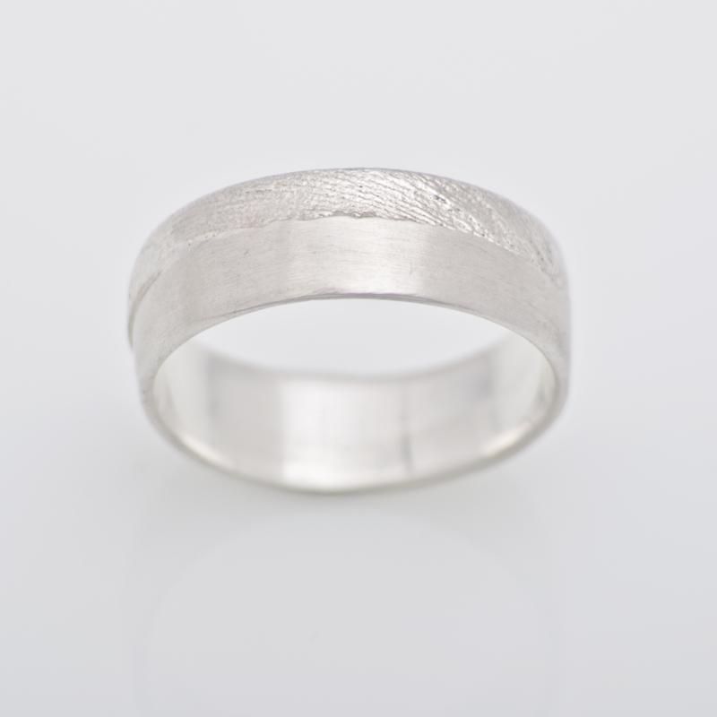 Sepia ring