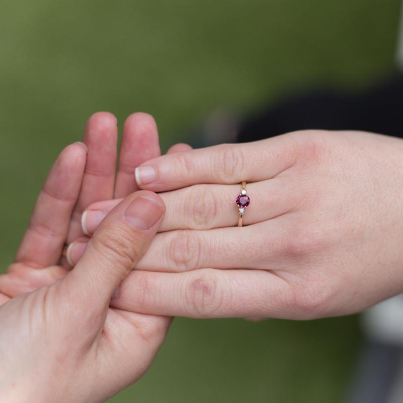 Een verlovingsring uitzoeken: hoe pak je dat aan?