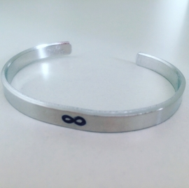 Tekstarmband infinity