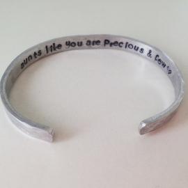 Hidden message armband - Aunt