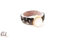 Leren ring roze cabochon