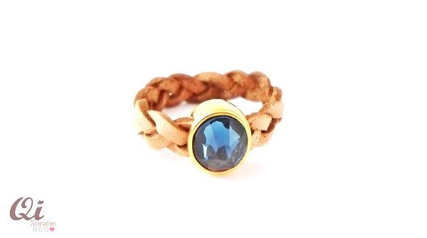 Gevlochten ring blue