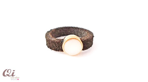 Suède ring bruin/ rose