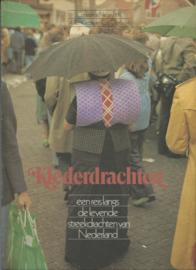 Klederdrachten – Constance Nieuwhoff Willem Diepraam Cas Oorthuys - 1976